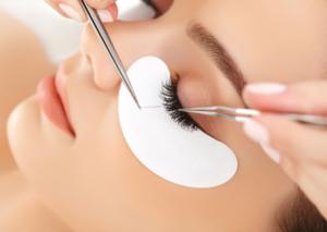 eyelash-extension-application