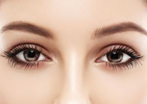 full-eyelashes
