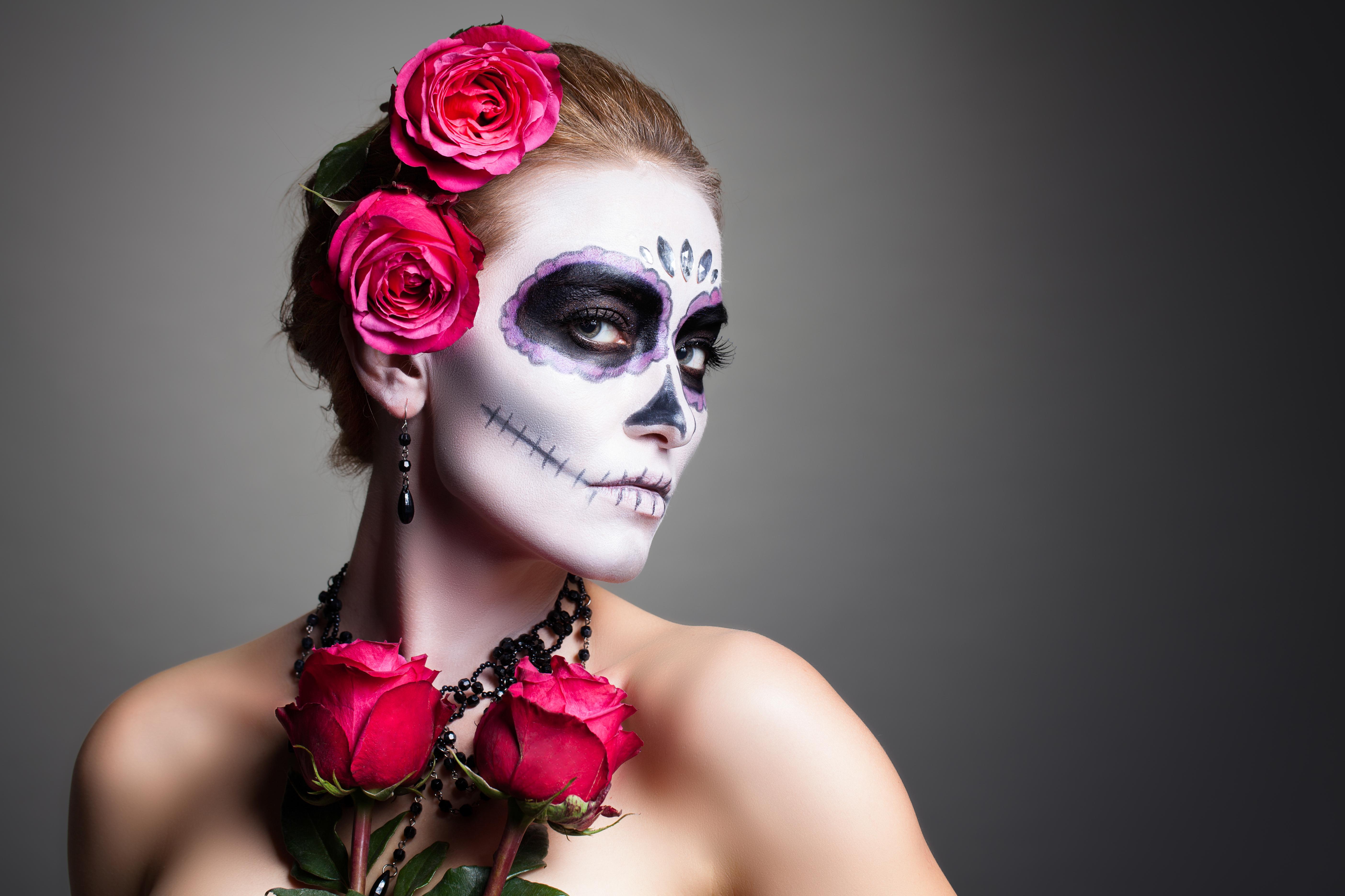 Woman with halloween skull makeup